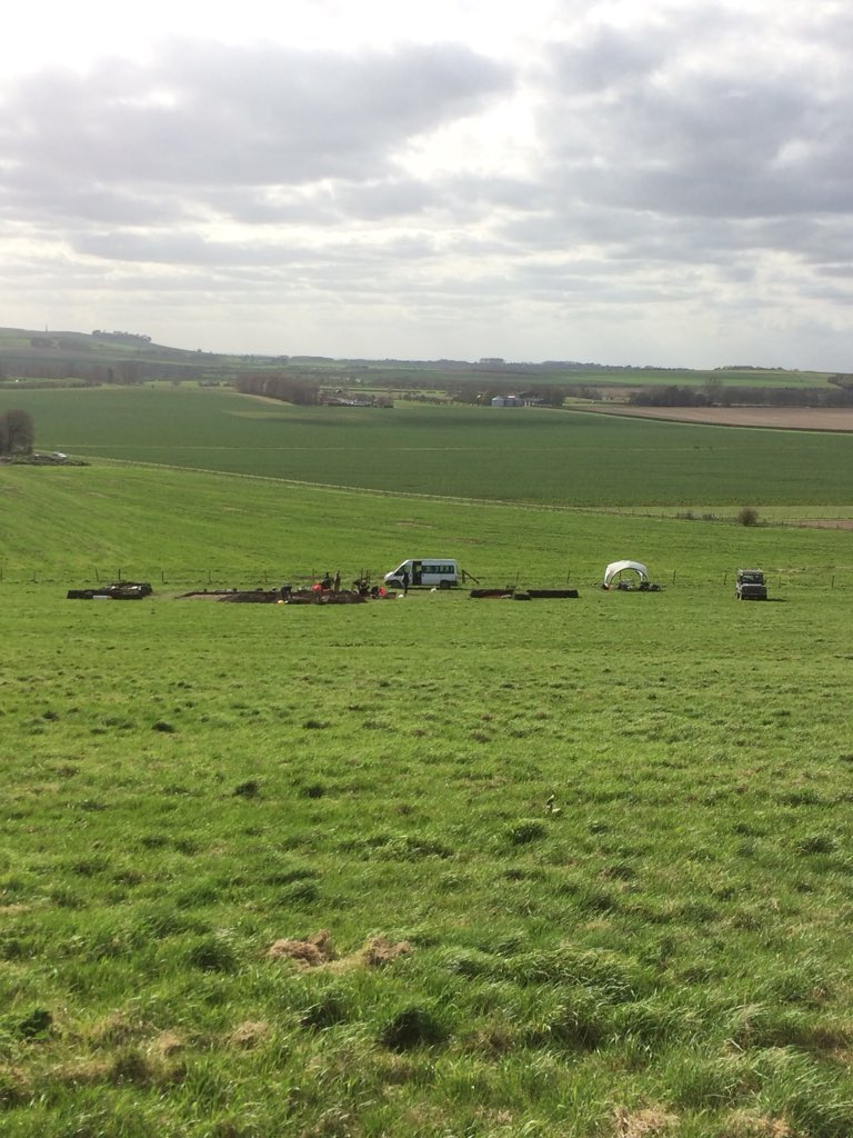 On #WorldHeritageDay, a team working on the Living with Monuments project have been #excavating and coring around Avebury exploring #prehistoric environment, land use and settlement to understand what it meant to create and live in a landscape full of #monuments! #archaeology<br>http://pic.twitter.com/EkNj3pddzM &ndash; à Avebury Stone Circle