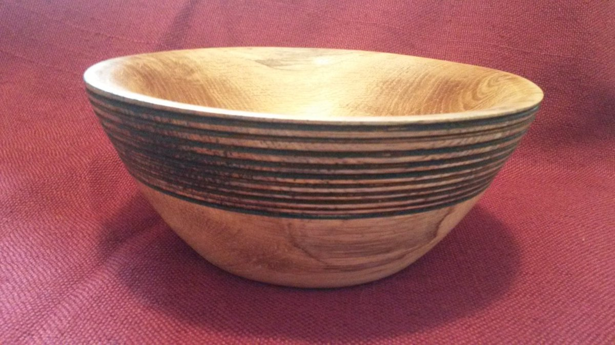 Excited to share the latest addition to my #etsy shop: Handmade oak fruit bowl with burned lines, solid wood bowl, decorative bowl #housewares #bowl #oak #handmade #etsy #etsyseller #woodturning #Slovenia  https:// etsy.me/2EXrQoY  &nbsp;  <br>http://pic.twitter.com/HLtK5Q7r3Q
