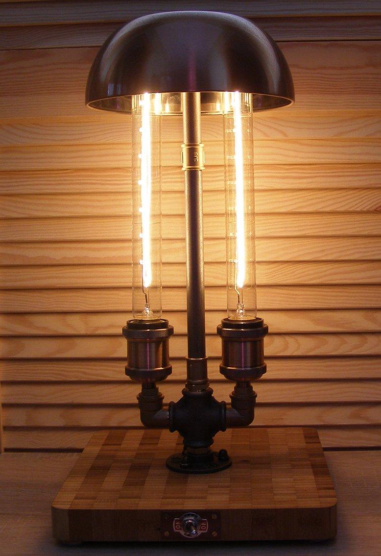 """#steampunk Ich biete hier eine Vintage Stil Tischrohrlampe """"Unterm Schirm"""" an, welche in Handarbeit gefertigt wurde. Ich bedanke herzlich bei allen für Ihre Bewertung meiner Seite (https://t.co/UpU5y3dnTi) mit Likes."""