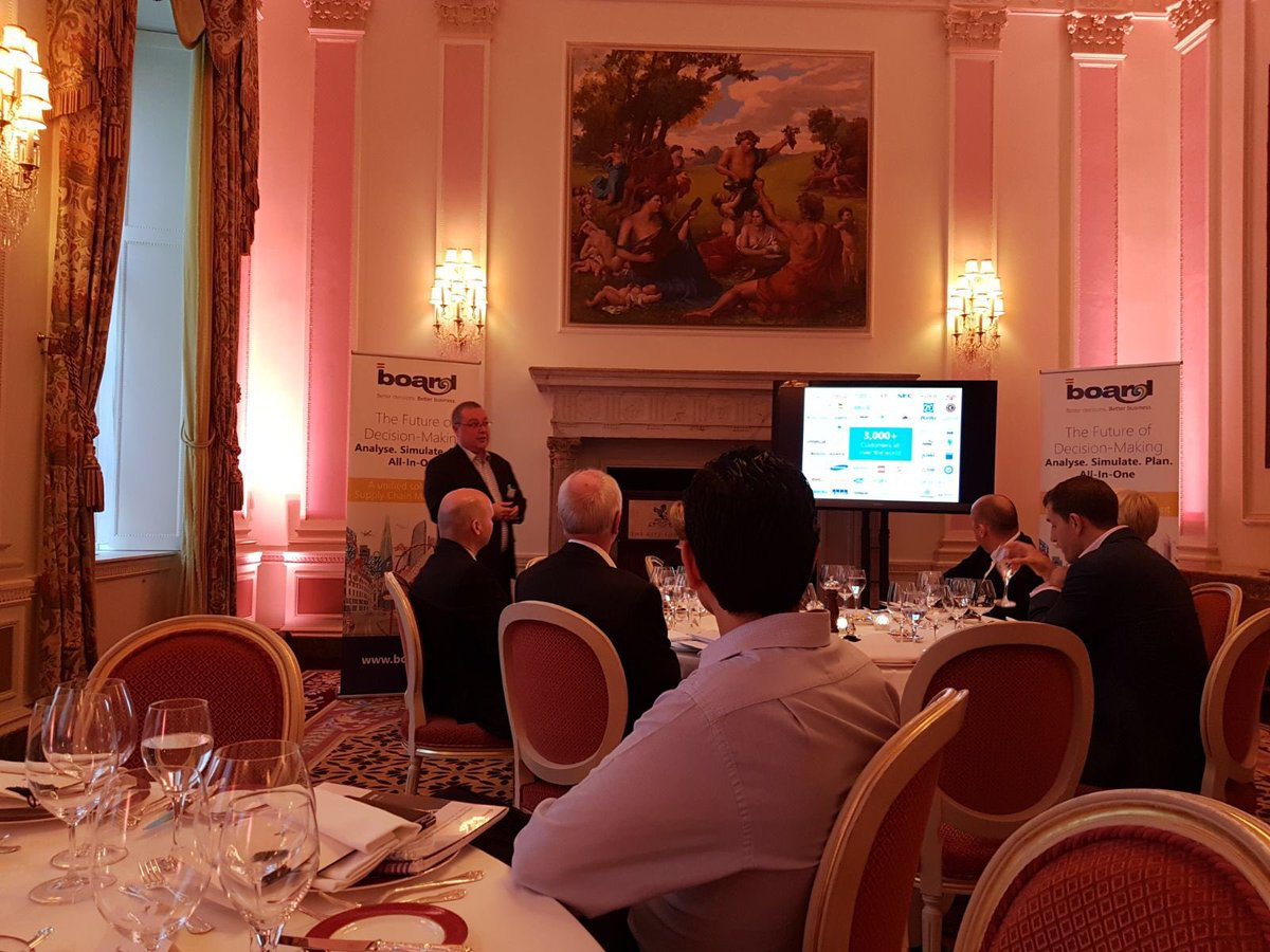 Alan Bagnall from @BOARD_UK welcomes our #supplychain guests at the @SclHub roundtable on end to end #visibility <br>http://pic.twitter.com/v7ZUxGVtoO