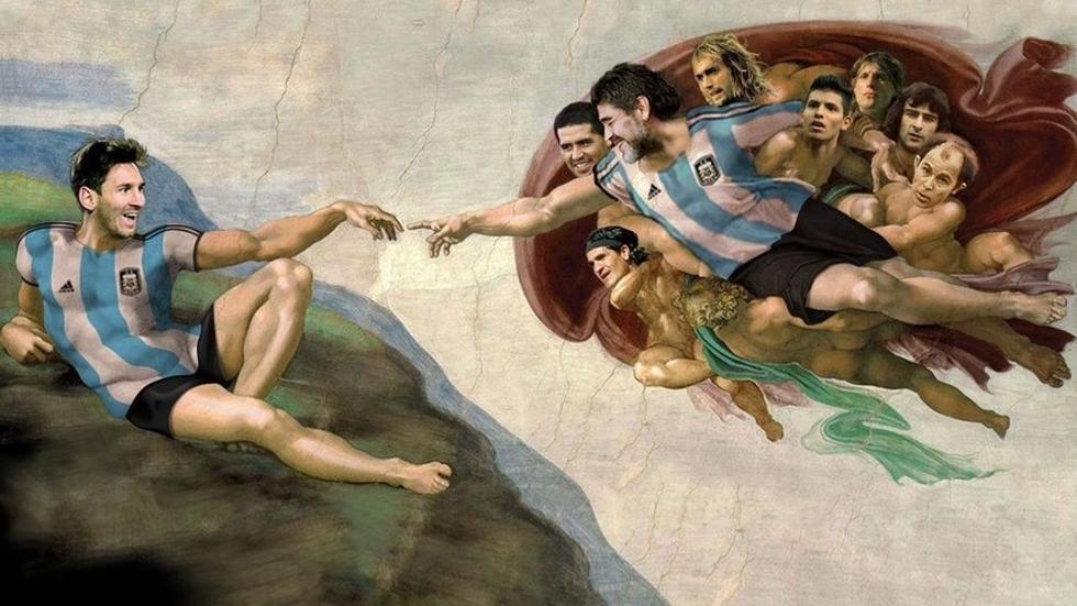 Clube de Buenos Aires exibe, em sua quadra de futsal, obra de Michelangelo adaptada com Messi e Maradona https://t.co/t0IS2eh4rb