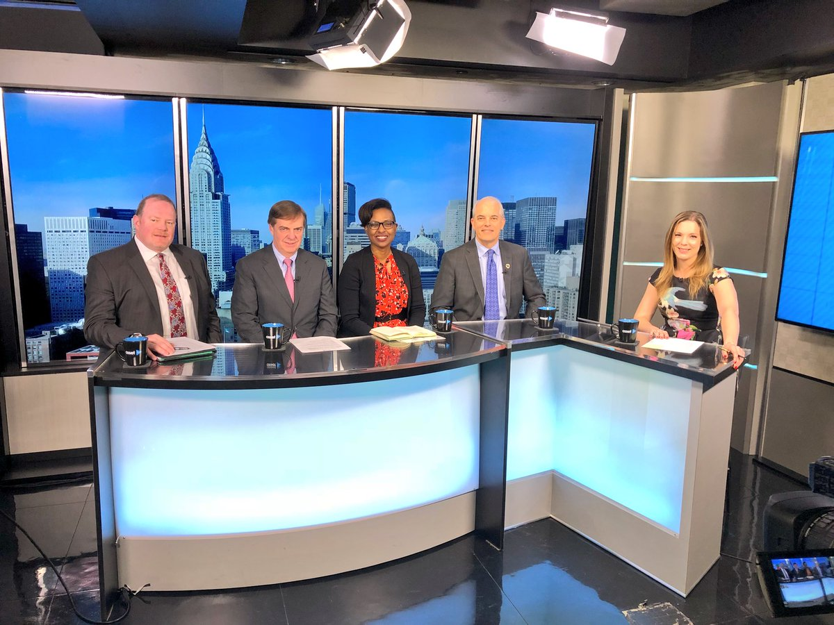 Filming the #ResponsibleInvesting MASTERCLASS at @AssetTVUS with experts from UBS, Boston Common Asset Management, Martin Investment Management and Everence Financial Services  #ESG #SRI #impactinvesting<br>http://pic.twitter.com/6Ka3SgWZOq