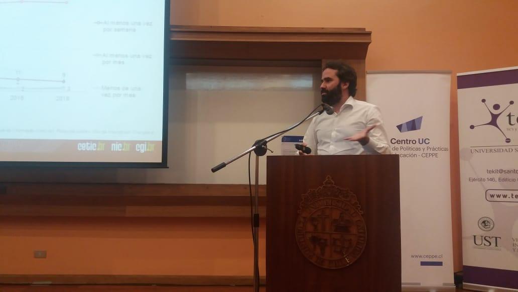 @FabioSenne @ComuNICbr presenta sobre Proyecto Kids Online Brasil conferenciadigital.wordpress.com/acerca-de/