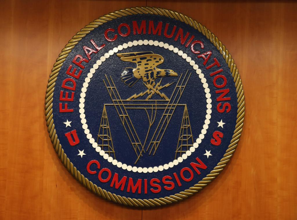 FCC sets date for first 5G spectrum auction. https://t.co/zUQ1v7Y9eI https://t.co/9S1AhlHJbG