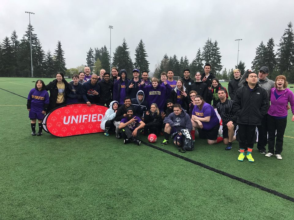 Thank you @SOCollegeUW for providing Unified opportunities at @UW and for braving the weather last weekend during Unified Soccer League play!   Want to start your own Special Olympics College Club? Email mlarche@sowa.org today!   #PlayUnified #ChooseToInclude <br>http://pic.twitter.com/p8oN8GyvoQ