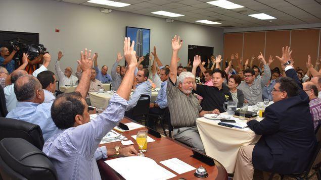 Asamblea General de Capac autoriza nueva oferta de ajuste salarial a obreros https://t.co/QxtBEtocF7 #Panamá https://t.co/rf8148fw8R