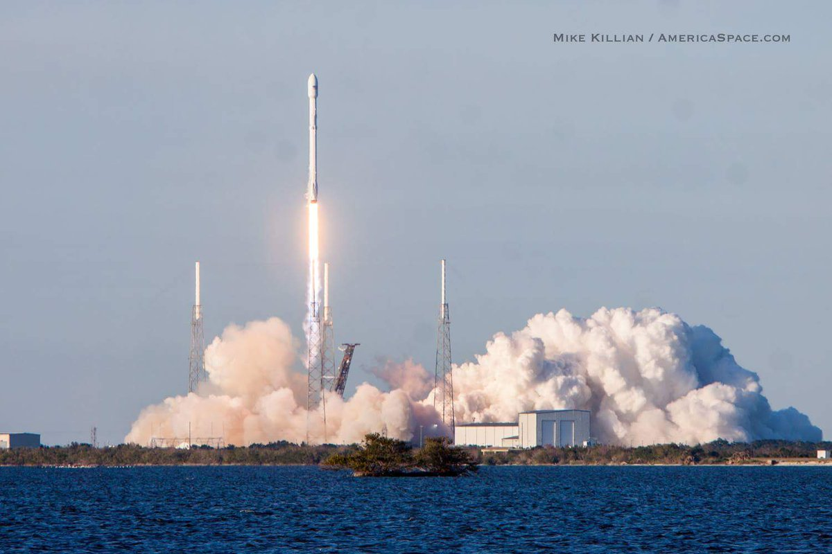 spacex launches rocket - HD1200×800
