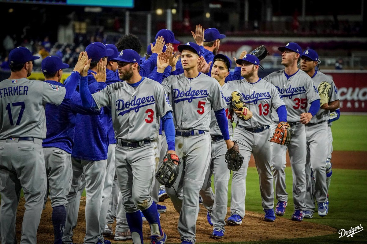 How sweep it is! #Dodgers https://t.co/9...