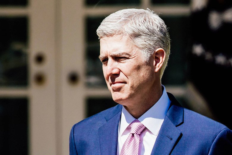 SCOTUS is terrible at hiring diverse law clerks, but Neil Gorsuch is surprisingly good at it: https://t.co/TOVN0JhxXu
