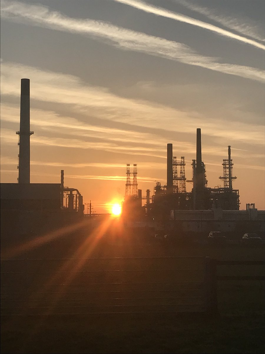Looks like it's going to be a beautiful day in Lincolnshire! Enjoy where ever you are. #humber #refinery #industry <br>http://pic.twitter.com/jCNuANpvr9