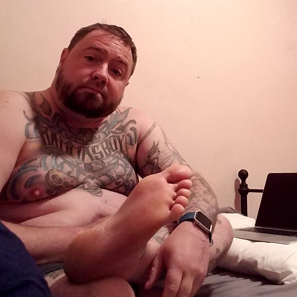 Chubby male feet
