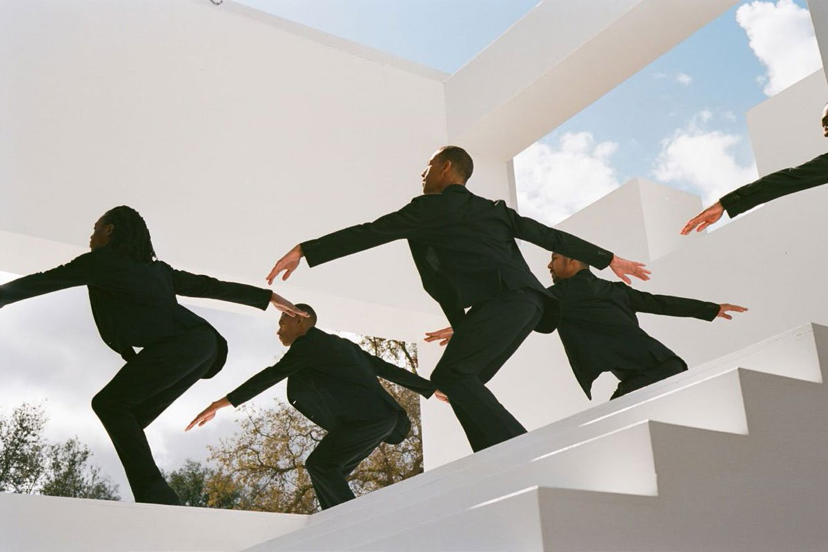 Our pick of the week: Uniqlo takes a worthy risk with Solange's performance art piece https://t.co/bi5x7sKQyA via @droga5
