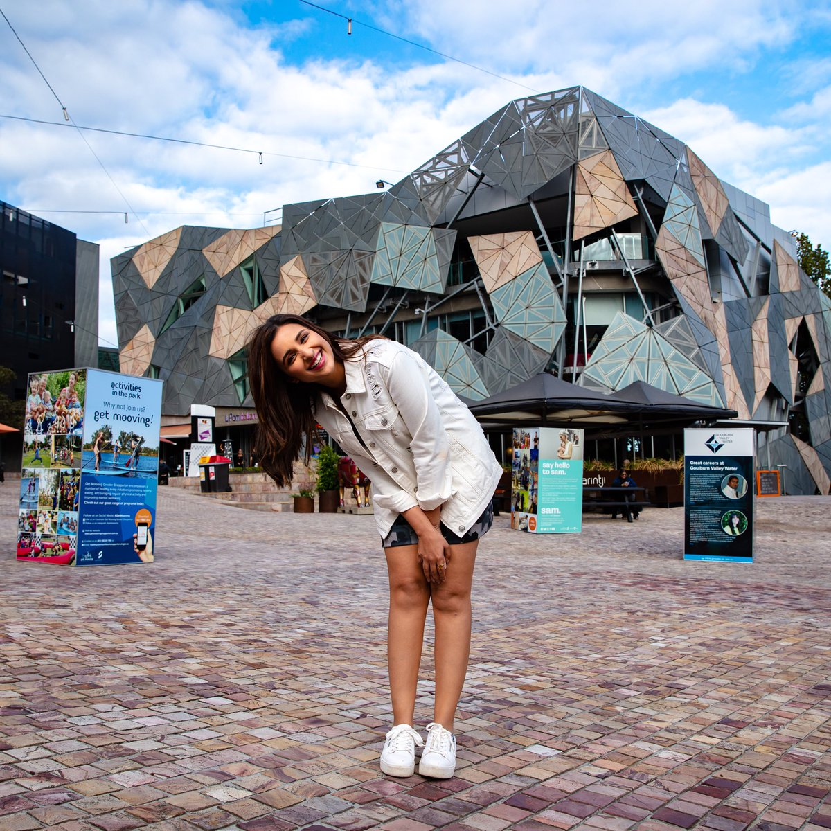 This has to be my favourite spot in Melbourne. Absolutely in love ❤️ with Federation Square's art and cultural vibe and the bars and restaurants here. @Melbourne_in @Australia @tiltshiftcrew