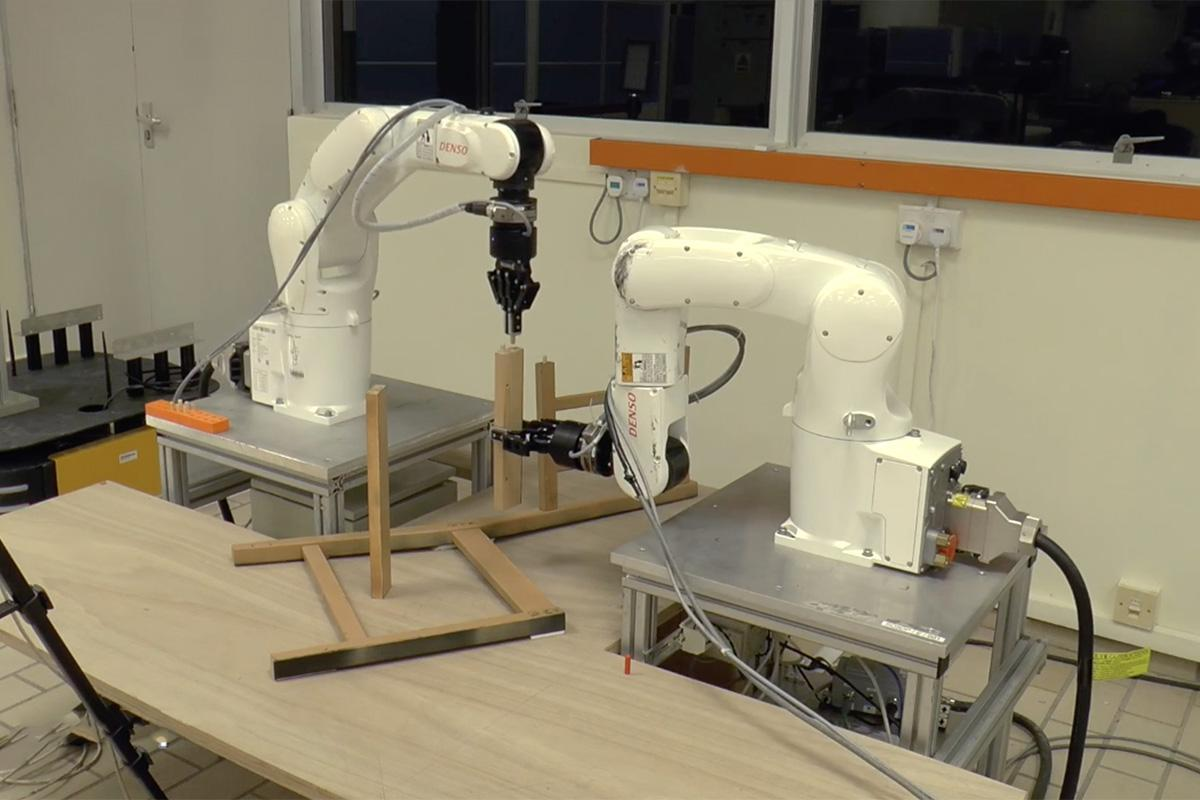 Watch robots assemble a flat-pack IKEA chair in just 9 minutes https://t.co/ngdwSfNbEj