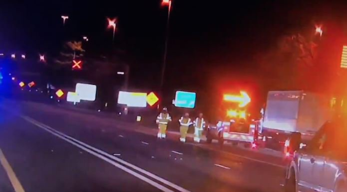 2-car crash shuts down part of I-66 in Fairfax County, officials say https://t.co/9hZ3YTvyr0