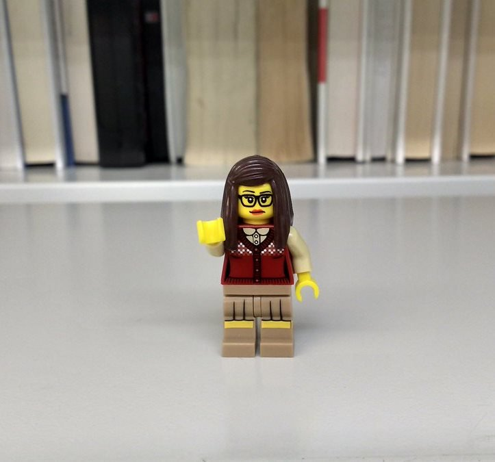 It&#39;s #HighFiveDay!  Our #Lego #librarian sends a #highfive to all our #friends all over the world.<br>http://pic.twitter.com/dJnr1LCzhG