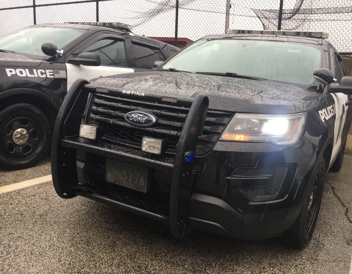 Please remember #wipersonheadlightson to help your car to be seen in this raining weather. #Visibility <br>http://pic.twitter.com/hCAZ3R4Pe2