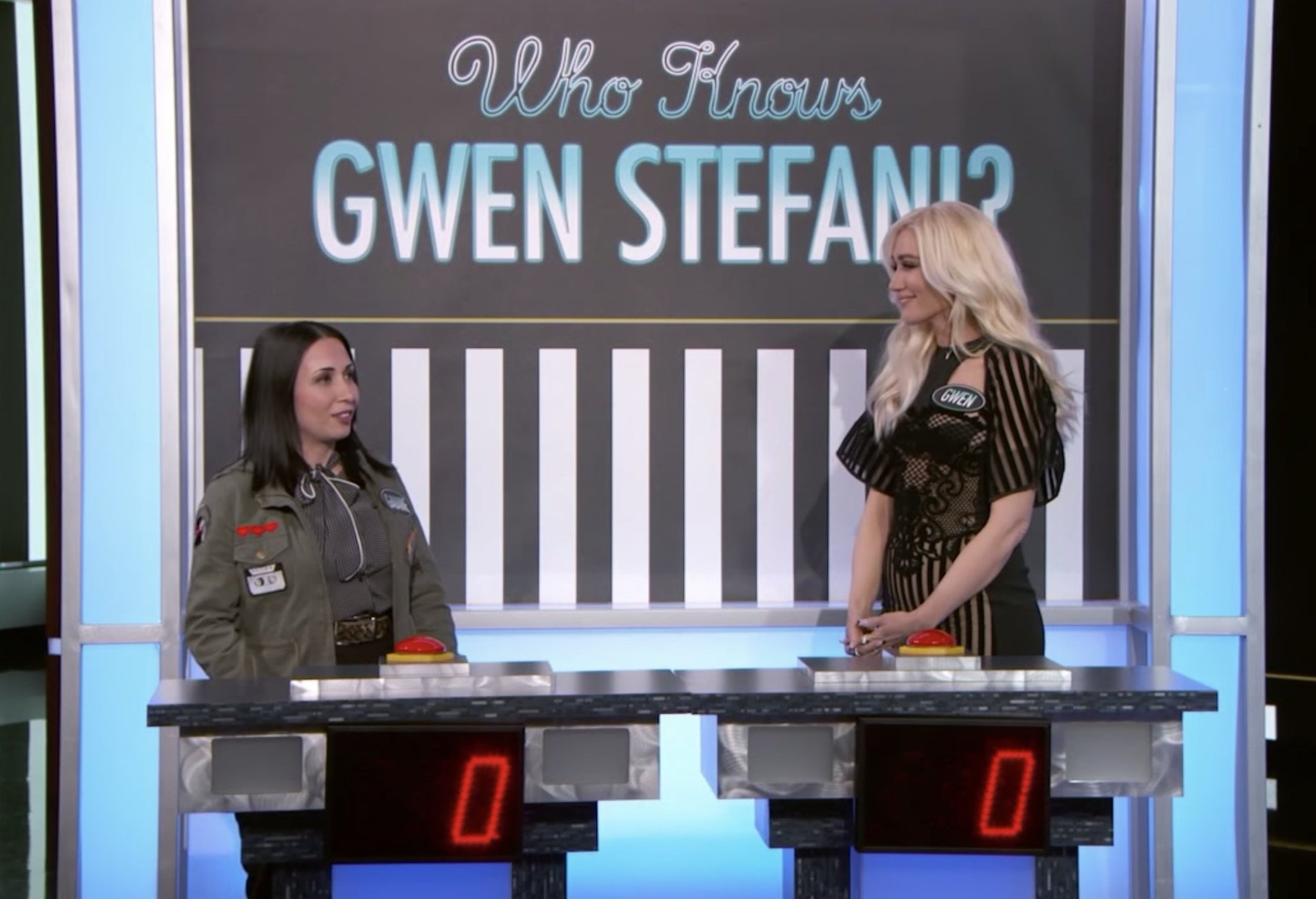 Watch this woman beat @gwenstefani at Gwen Stefani trivia https://t.co/aLPBHm9RcE https://t.co/EPnAbISnUn
