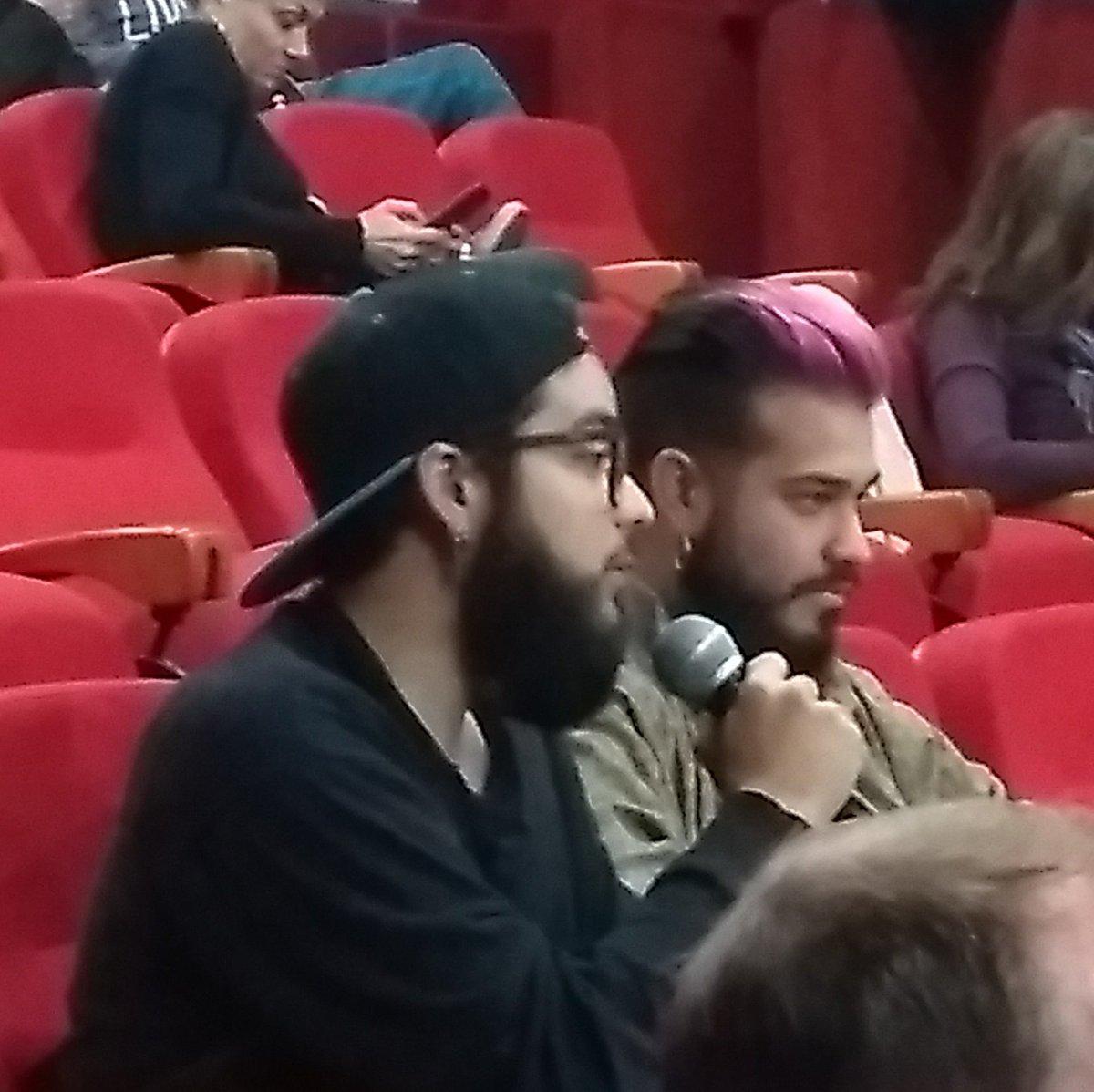 Momento de preguntas y discusión en #sociedaddigital conferenciadigital.wordpress.com/acerca-de/