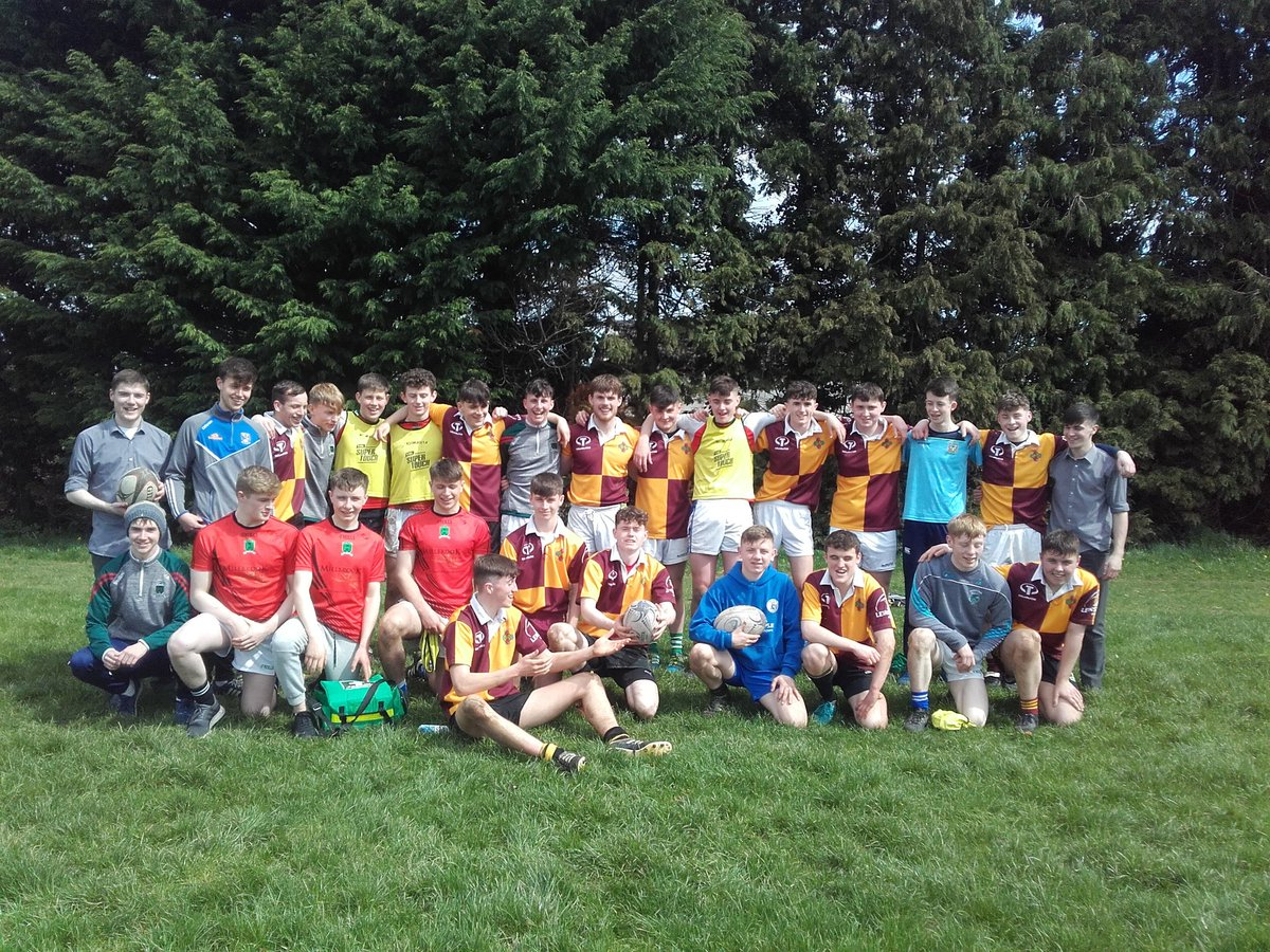 Excellent rugby on show from @StCiaransCS and @StOliverPP today at the @NELBIRFU 7s in Dundalk. Both teams won 2/3 and enjoyed the day in the sun #FromTheGroundUp <br>http://pic.twitter.com/eAzpFtAvLc