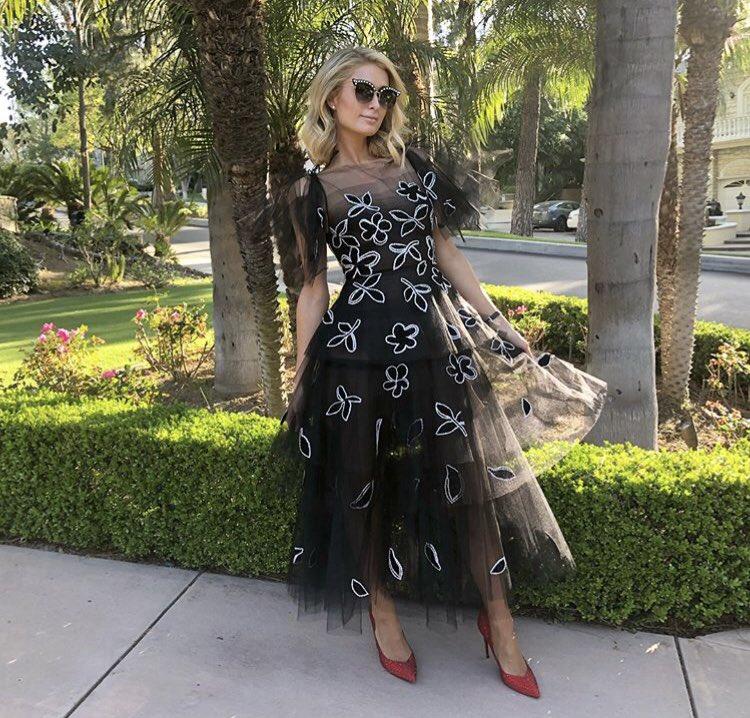 Paris Hilton top tweets
