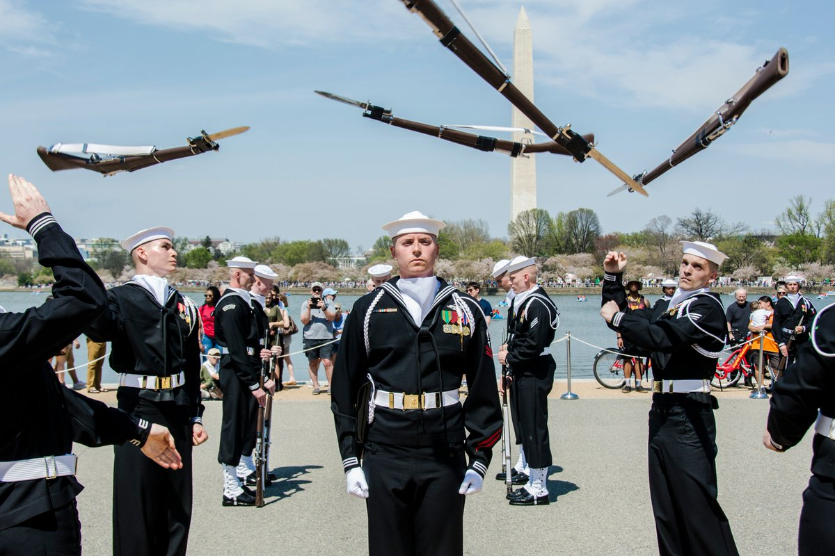 Usn Ceremonial Guard On Twitter The Us Navy Drill Team - Us-navy-ceremonial-guard