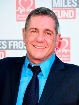 Tributes paid as TV presenter Dale Winton dies aged 62  https://t.co/yae41H8tbP