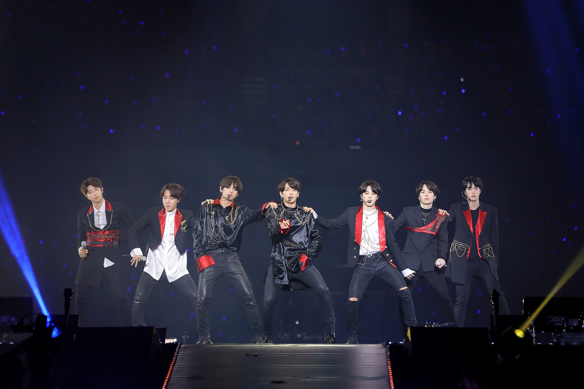 Picture/Media] BTS JAPAN OFFICIAL FANMEETING VOL 4 ~Happy Ever After