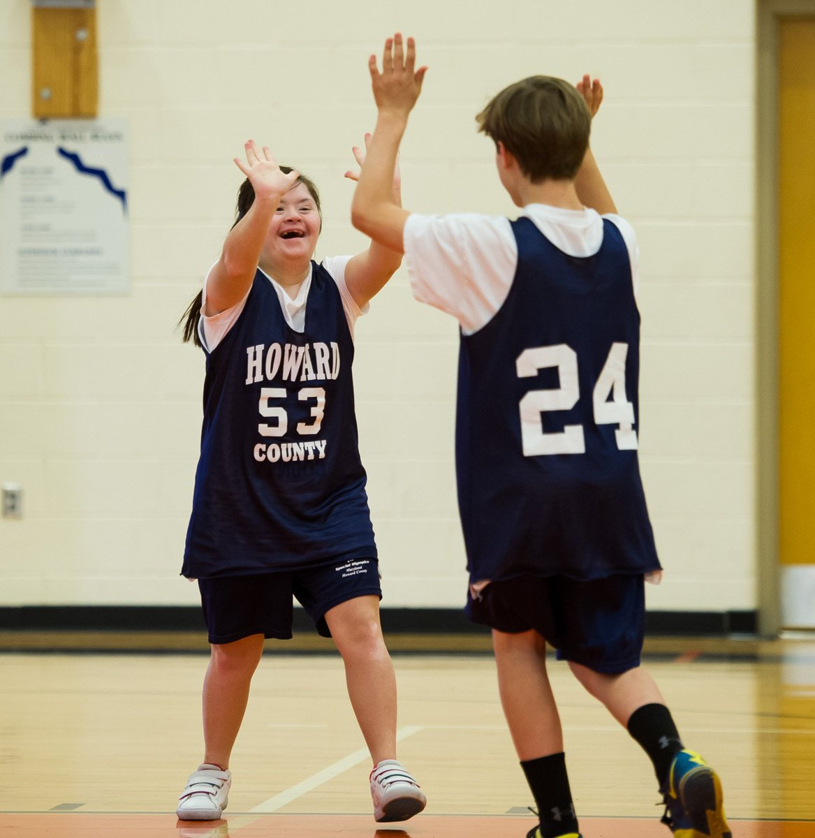 HAPPY. NATIONAL. HIGH. FIVE. DAY.  #NationalHighFiveDay #ChooseToInclude <br>http://pic.twitter.com/Msk4HbUa1w