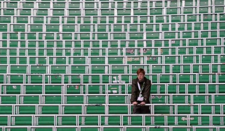 The Football Supporters' Federation say Sports Minister Tracey Crouch is 'declaring war on fans' by turning a blind eye to safe standing.  More: https://t.co/OvTS4nrbEV