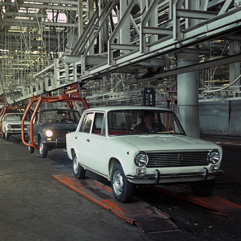 могут быть авто с фото и заводскими ценами ваз менее