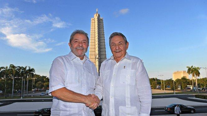 Esmael Morais's photo on Raúl Castro