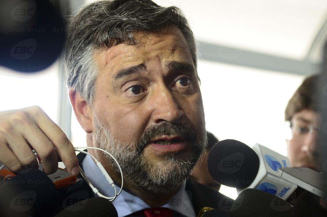 Líder do PT desafia juíza e diz que comissão fará visita a Lula na terça-feira https://t.co/73IPtpZpRj