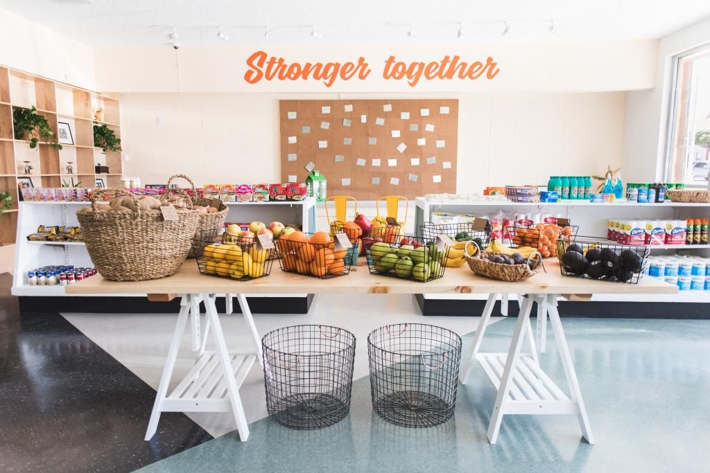 This family-run shop is offering healthy food for an LA neighborhood, with help from a powerful partner https://t.co/JXAOqHlK6v