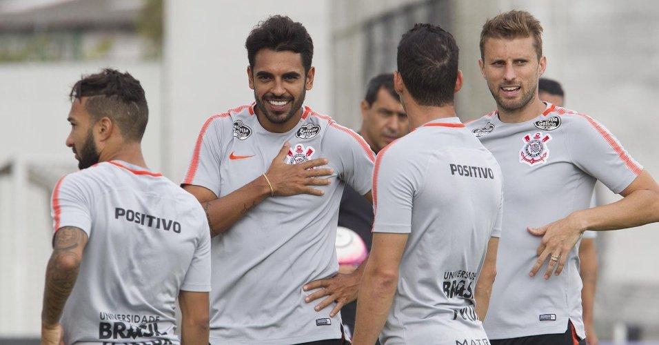 Negociação com Corinthians | Vitória mantém interesse, e jogo de paciência por Júnior Dutra trava https://t.co/S1npgDBlQp