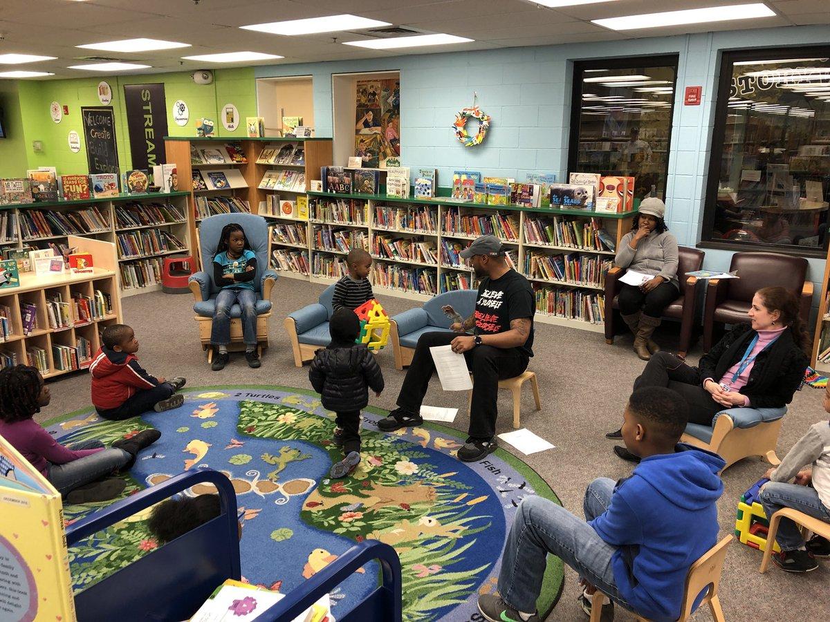 @SWA_Tigers @WoodlawnMS @bcplinfo @tmason18 reading to MS Ss #middleschoolnight