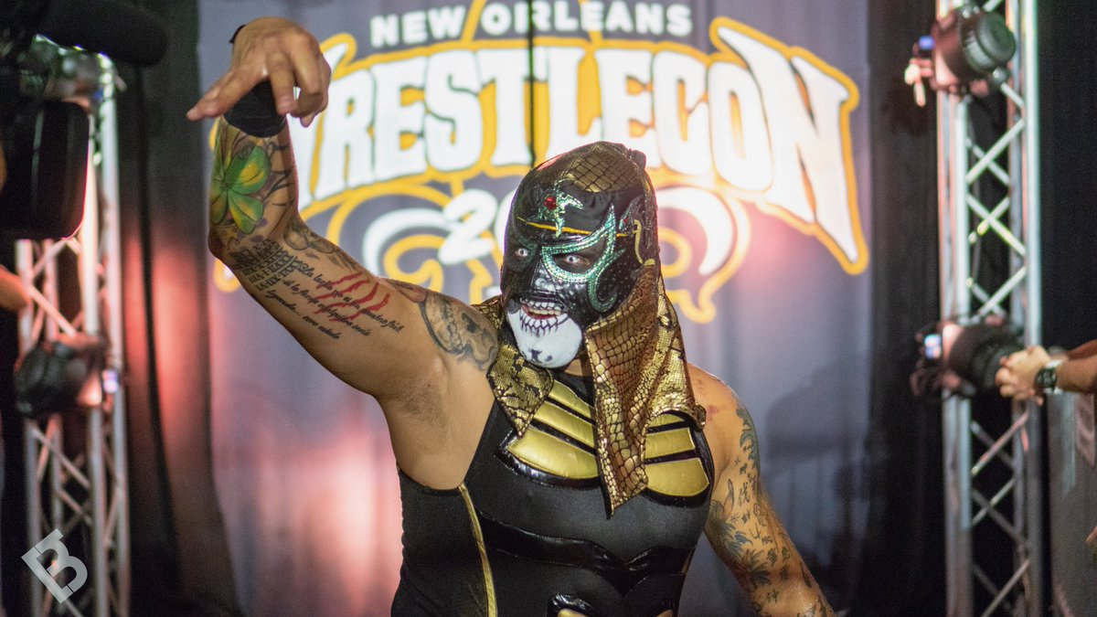 Penta el 0M from Pancakes & Piledrivers at #Wrestlecon in New Orleans . Photo by: Basil Mahmud (@beezzzzy) . #AAW #AAWPRO #professionalwrestling #redefined #chicago #pentael0m #penta #pentagon #lucha #luchabrothers #pancakesandpiledrivers  #prowrestling #wrestling