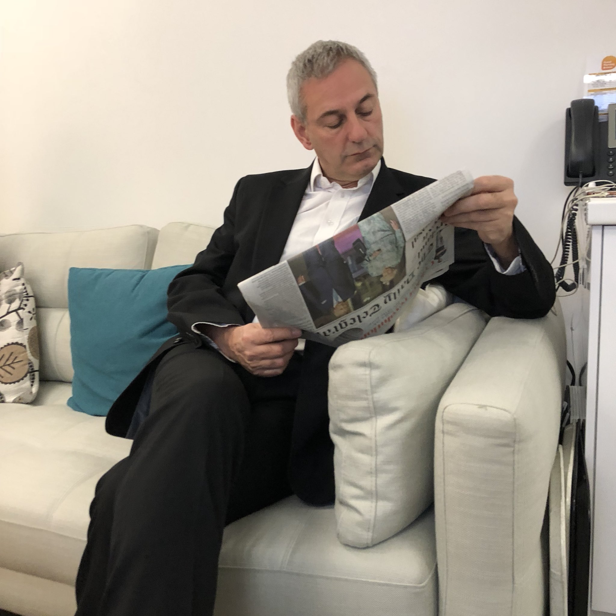 Now @Kevin_Maguire's reading the papers, which is basically cheating. https://t.co/SExPaFplkm