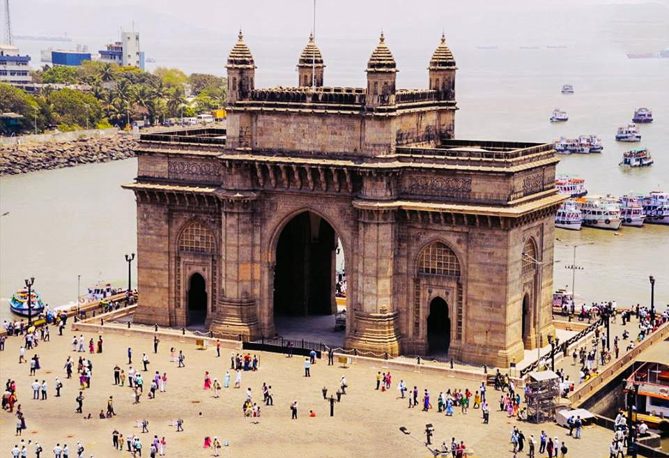 Architectural Trail in Mumbai: A walk through the heart of Mumbai with a chance to experience the history, heritage and architectural beauty of its structures. #mumbai #travel #sightseeing #history #monuments #trails #wanderlust #trips #tours  Book now @  https:// goo.gl/GsaLi3  &nbsp;  <br>http://pic.twitter.com/WmXZbRHbsF