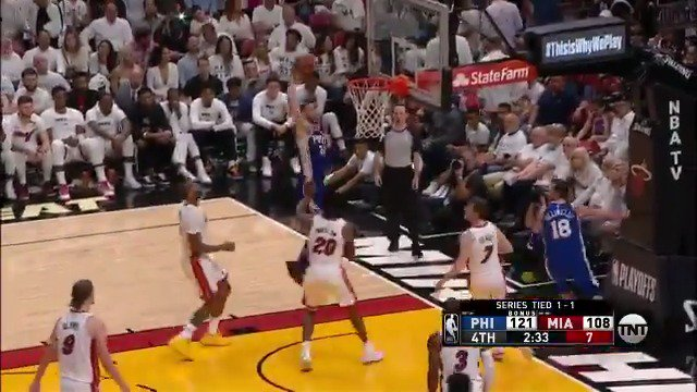 Ben Simmons cuts baseline and throws it down!  #PhilaUnite 124 | #WhiteHot 108 with 1:59 to go on @NBAonTNT https://t.co/khv0PcoMhG