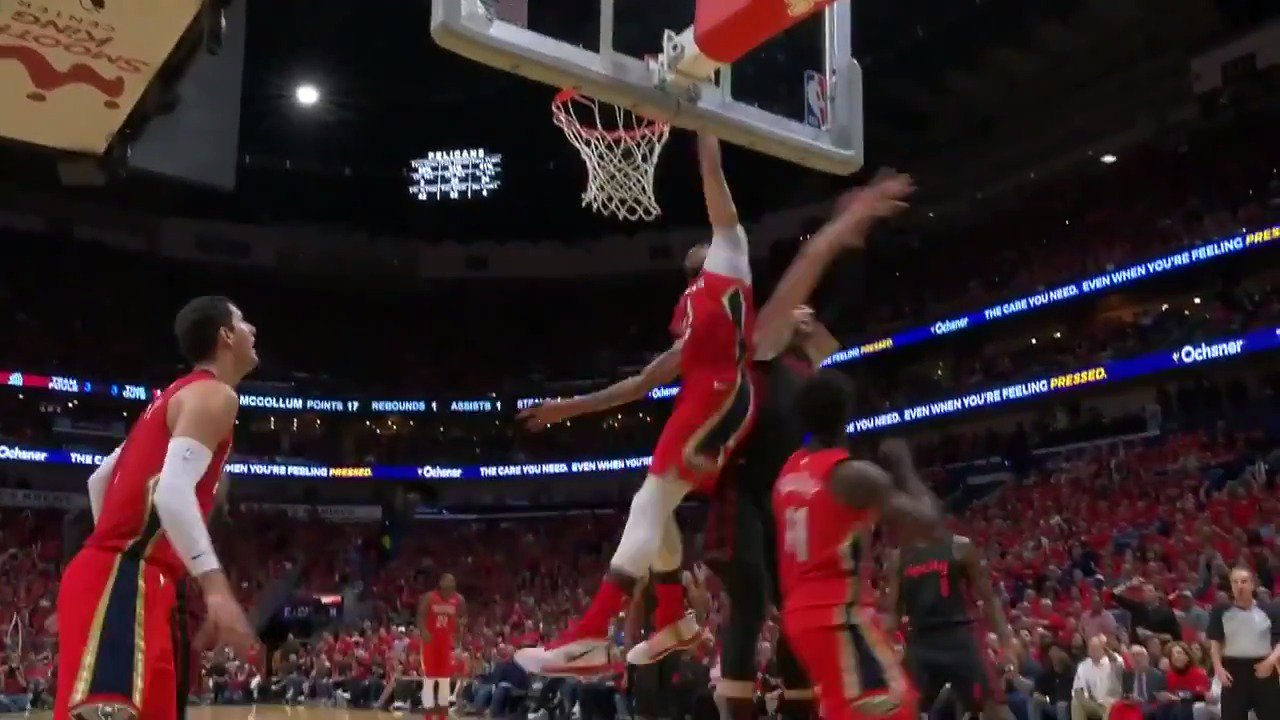Anthony Davis comes out of NOWHERE! ��  @PelicansNBA have extended their lead in the 3rd Q on @NBATV   #DoItBigger https://t.co/KTTQcDMXhb