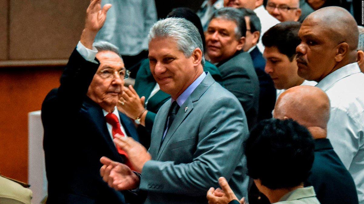 semanaenpositivo's photo on Raúl Castro