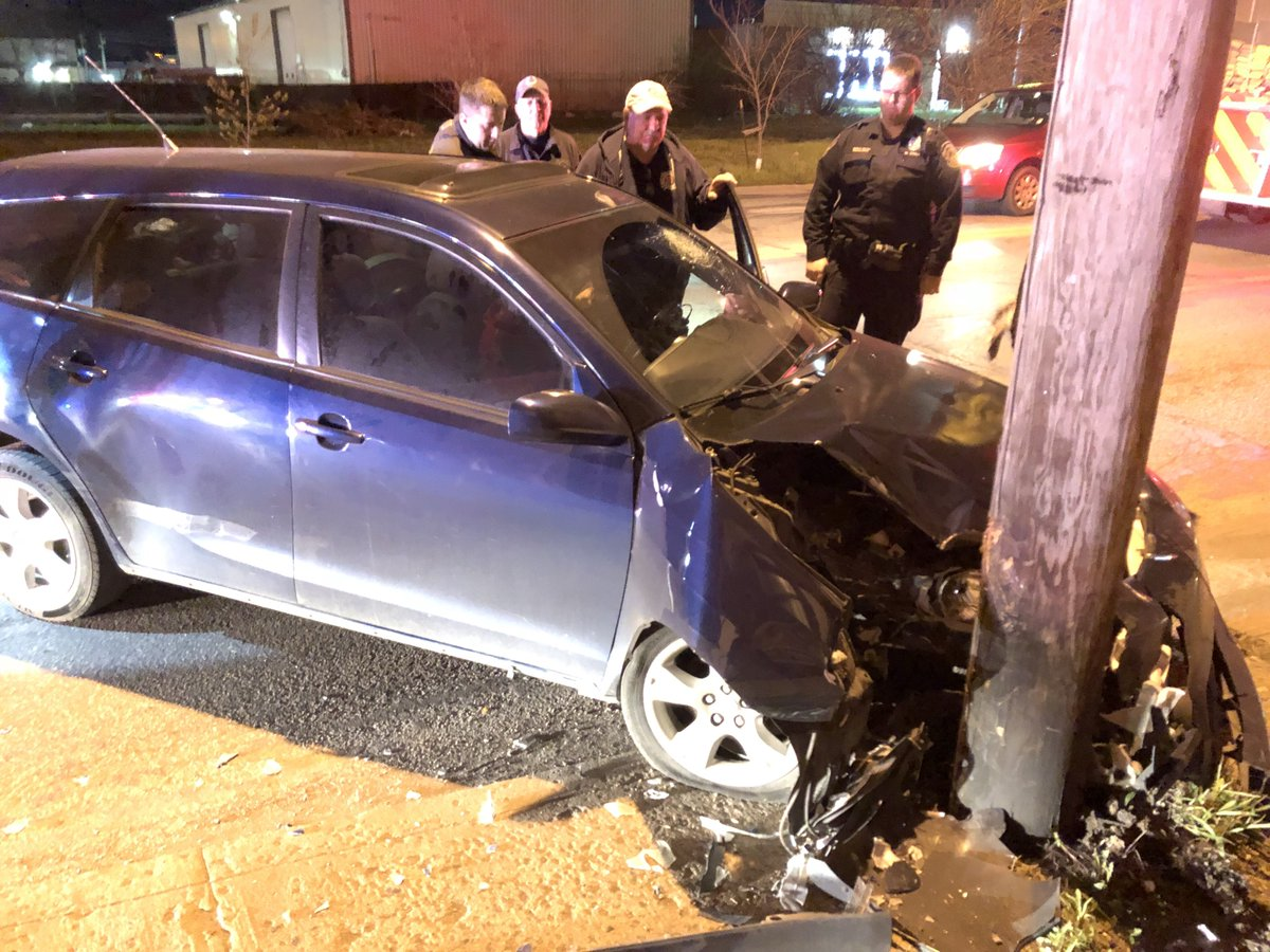 CAR vs POWER POLE: IMPD is investigating a crash on Rural St, just north of Massachusetts Ave on the near east side. Driver hit her head on the windshield, but is awake, talking, &amp; on her way to hospital. Officers say there's no obvious damage to pole. #NewsTracker #Daybreak8 <br>http://pic.twitter.com/erlRYGUvHh