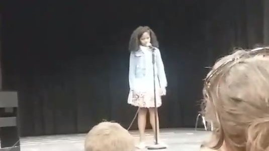 Grab the tissues: Mom helps her daughter 'rise' above fear during musical performance https://t.co/o7H1Uq8GOF