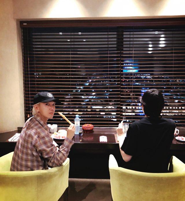A night watch 🌃 희봉이랑 #새벽감성 #조식타임 ... 이곳은...
