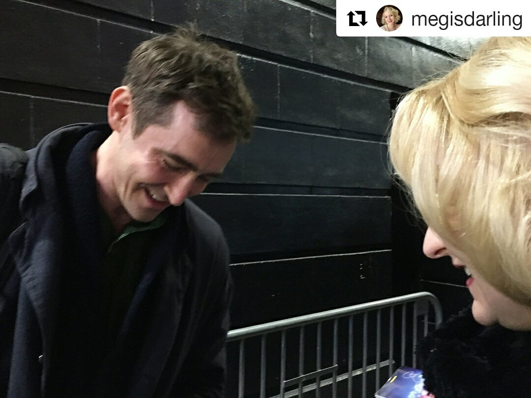 An another great  meeting  after the play of Lee Pace with his fans, you can read and see other photos in Meg&#39;s profile on IG :)    https://www. instagram.com/p/Bhw7keohY9d/  &nbsp;    #leepace #AngelsInAmerica #repost #fans #neilsimontheater #stagedoor #instagram <br>http://pic.twitter.com/FUIoPOA9UE