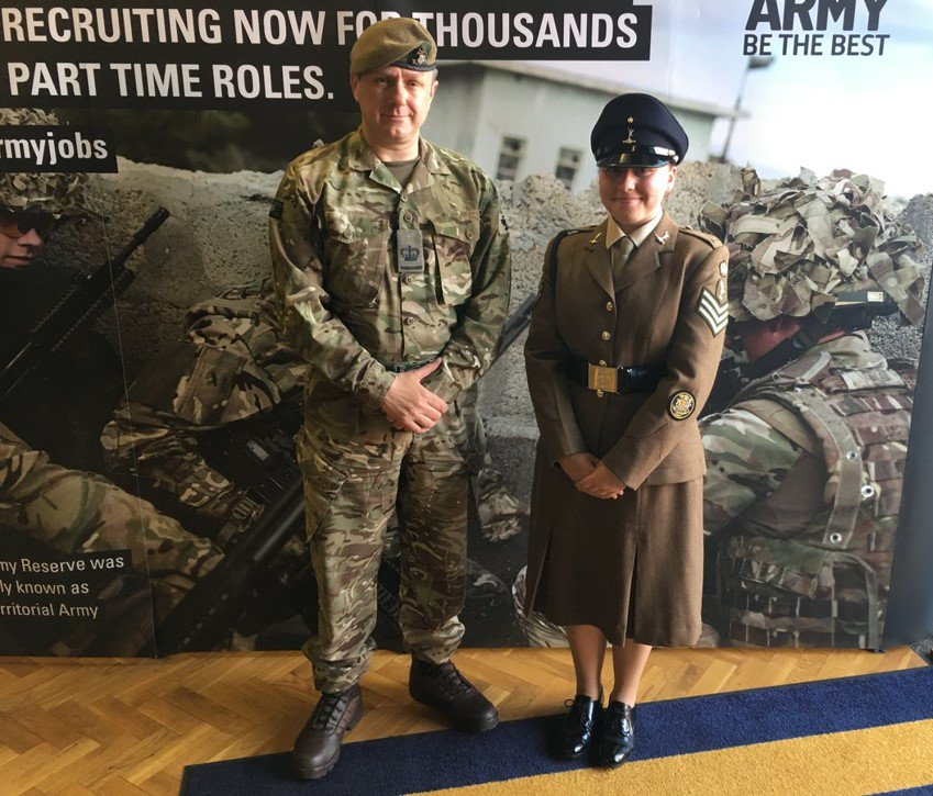 We had a great night @TheQOY1 in #York Nice to meet Cadet SSgt Dixon, an #inspiring young person @YorkshireACF   The @ArmyCadetsUK Going Further &gt;&gt;&gt;<br>http://pic.twitter.com/4CL3Np9veb
