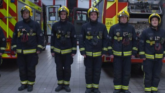 Some of the first fire crews on the scene at Grenfell Tower are running the London Marathon to raise money for children affected by the tragedy.  https://t.co/K8T3muo04q