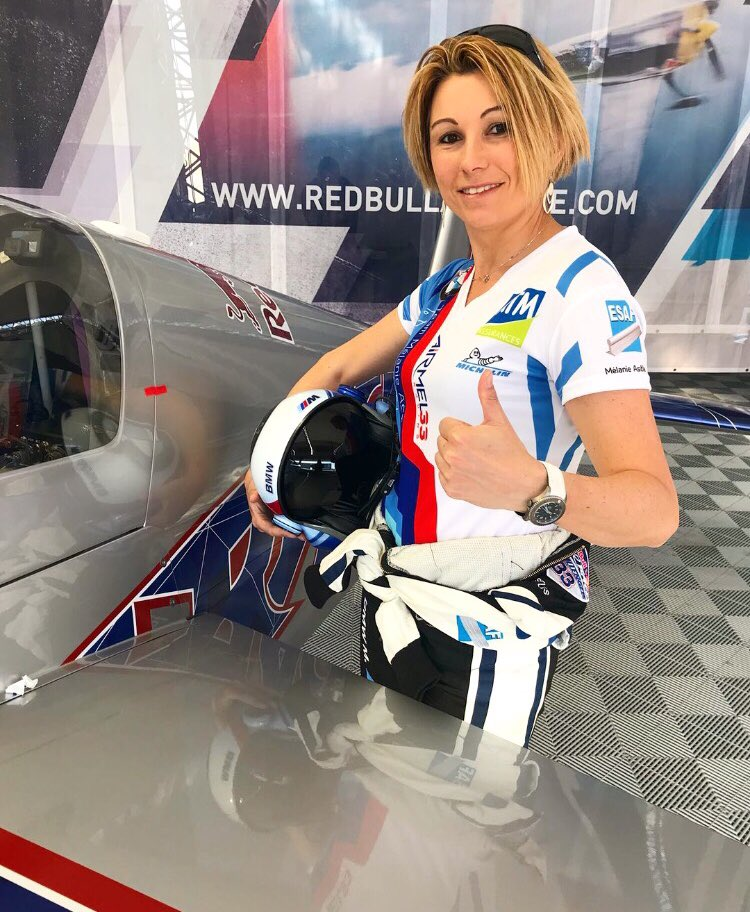 Getting ready for free practice 1 ! Let's go fly ... SMILE ON !  @Redbullairrace @villecannes #freepractice #training #fly #smileon #teammelanieastles<br>http://pic.twitter.com/1zFxaJW4Vt