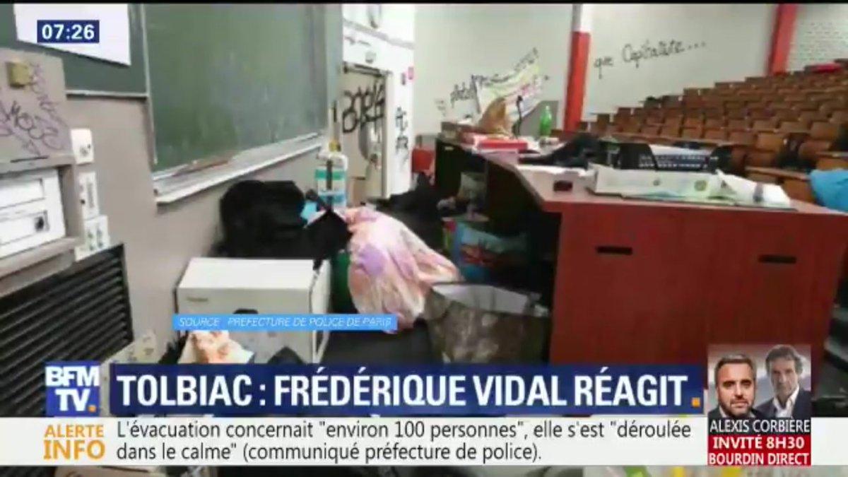 La poignée de salopards qui occupait #Tolbiac prétendait lutter contre la dégradation des conditions de vie des étudiants. Ils aggravent cela en vandalisant la fac. À 50 ans de distance, même violence, même cynisme, même connerie...